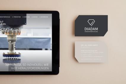 Tablet und Visitenkarte - Diadam Corporate Design und Webdesign